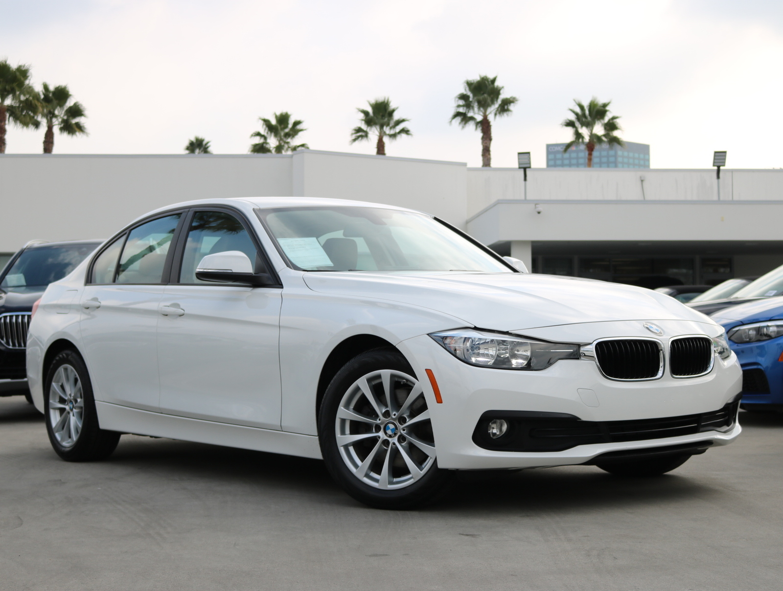 Certified Pre-Owned 2017 BMW 3 Series 320i xDrive Sedan 4D
