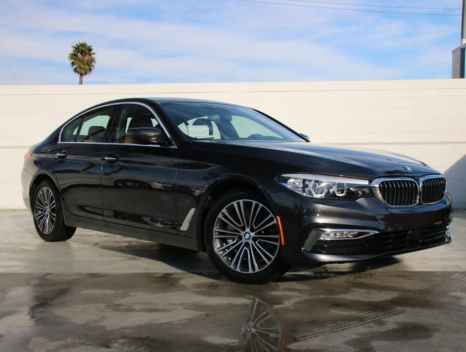 Pre-Owned 2018 BMW 5 Series 530i Rear Wheel Drive 530i Sedan