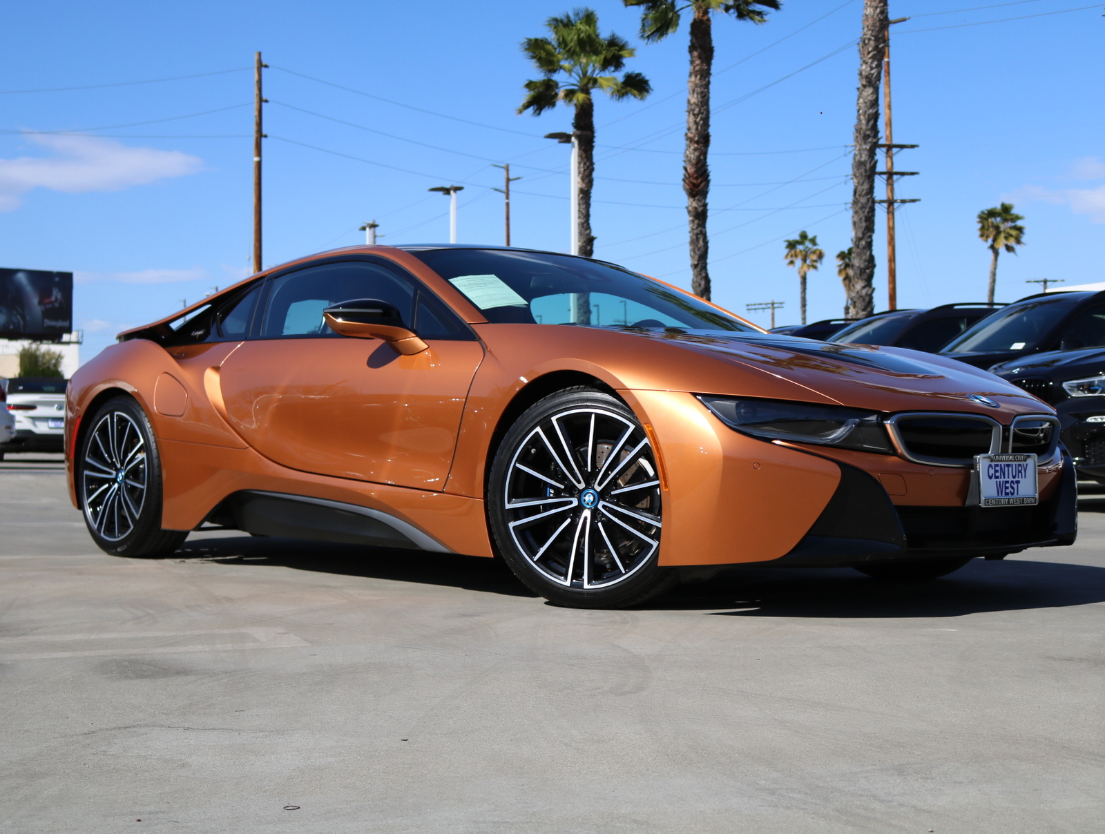 Pre-Owned 2019 BMW i8 Coupe 2D